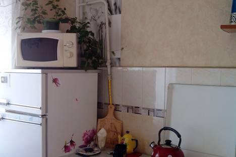 Сдается 2-комнатная квартира посуточно, улица Ташкентская, 106.