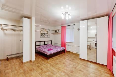 Сдается 1-комнатная квартира посуточно в Кургане, улица Карла Маркса, 28.