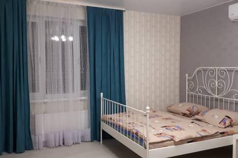 Сдается 2-комнатная квартира посуточно, Роторная улица, 27В.