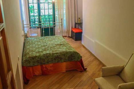 Сдается 4-комнатная квартира посуточно в Тбилиси, Тбилиси.Ваке. улица Абашидзе 4.