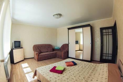 Сдается 2-комнатная квартира посуточно, переулок Каракозова 10.