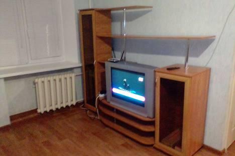 Сдается 3-комнатная квартира посуточно в Элисте, улица В. И. Ленина, 285.