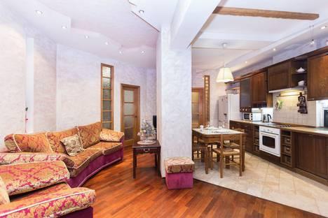 Сдается 3-комнатная квартира посуточно в Минске, проспект Независимости, 22.
