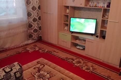 Сдается 2-комнатная квартира посуточно в Яровом, кв В дом 21.