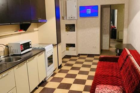 Сдается 2-комнатная квартира посуточно, Родниковая улица, 23.