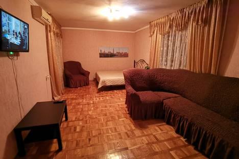 Сдается 2-комнатная квартира посуточно в Майкопе, улица Гайдара, 82.