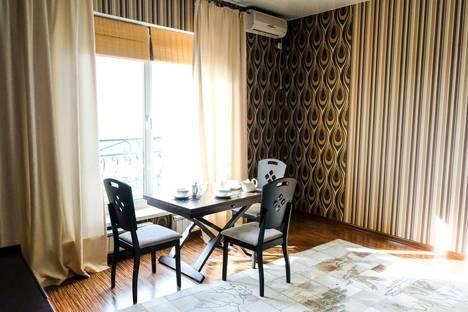 Сдается 2-комнатная квартира посуточно в Актау, 15 микрорайон 69 дом.
