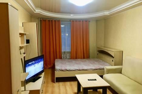 Сдается 2-комнатная квартира посуточно, улица Челюскинцев, 7.