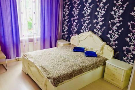 Сдается 1-комнатная квартира посуточно в Ижевске, 7-я Подлесная улица 71.