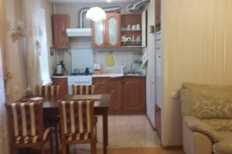 Сдается 3-комнатная квартира посуточно, Широкая улица 21.