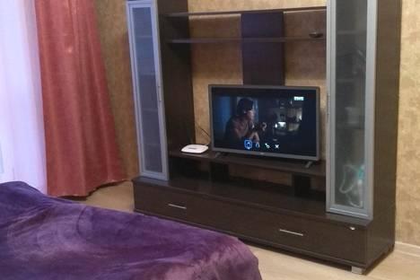 Сдается 1-комнатная квартира посуточно в Коврове, Комсомольская улица, 97, подъезд 1.