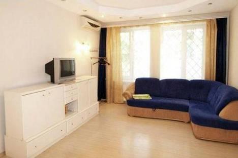 Сдается 1-комнатная квартира посуточно в Ялте, ул. Заречная, 16.