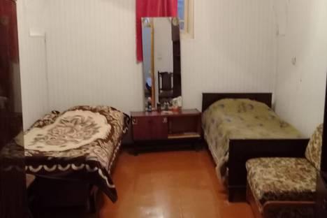 Сдается 4-комнатная квартира посуточно в Баку, Баку.