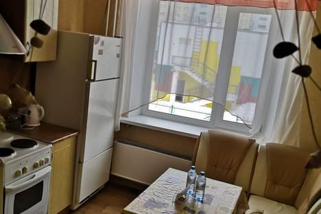 Сдается 2-комнатная квартира посуточно в Мегионе, Ханты-Мансийский автономный округ,Заречная улица, 20.