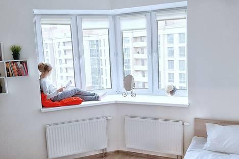 Сдается 2-комнатная квартира посуточно в Янино-1, Кудрово, Каштановой аллея, 3.