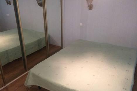 Сдается 3-комнатная квартира посуточно, ул.Веденяпина 32.