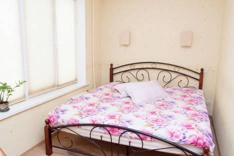 Сдается 2-комнатная квартира посуточно в Тольятти, проспект Степана Разина, 28.
