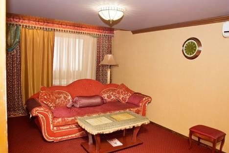 Сдается 2-комнатная квартира посуточно в Тольятти, улица Автостроителей, 5.