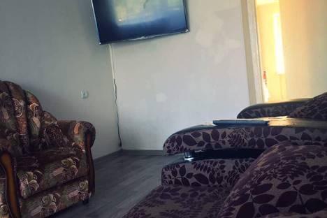 Сдается 1-комнатная квартира посуточно в Яровом, улица 40 Лет Октября, 7.