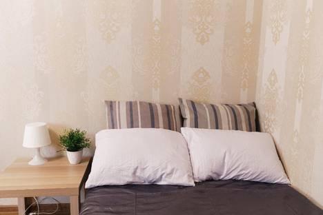 Сдается 2-комнатная квартира посуточно в Самаре, улица Мичурина, 149.