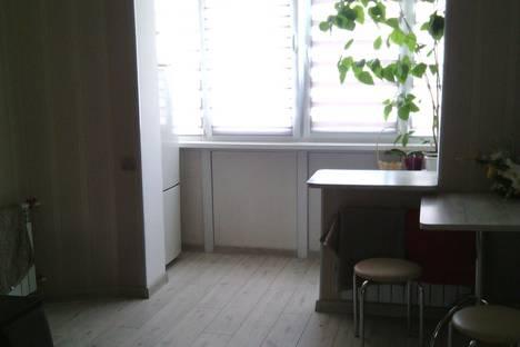Сдается 1-комнатная квартира посуточно, вулиця Небесної Сотні, 48.