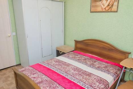 Сдается 3-комнатная квартира посуточно в Челябинске, улица Кузнецова, 37А.