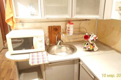 Сдается 1-комнатная квартира посуточно в Павлове, Нижегородской области улица Чапаева 60.