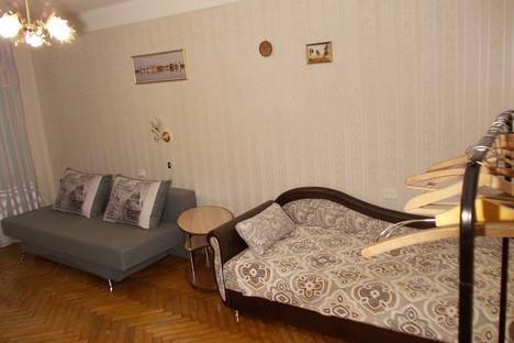 Сдается 2-комнатная квартира посуточно, улица Маршала Tухачевского, 37.