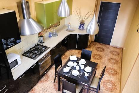 Сдается 3-комнатная квартира посуточно в Актау, 15 микрорайон 56Б дом.