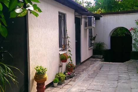 Сдается 1-комнатная квартира посуточно в Евпатории, улица Демышева, 10.