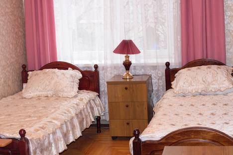 Сдается 1-комнатная квартира посуточно, Коллективная улица, 4.