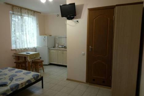 Сдается коттедж посуточно в Гаспре, ул. Маратовская, 18В.
