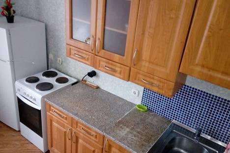 Сдается 2-комнатная квартира посуточно в Киришах, улица Декабристов Бестужевых, 18.