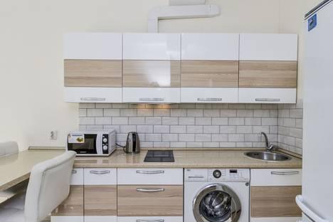 Сдается 2-комнатная квартира посуточно во Владивостоке, улица Коммунаров, 36.