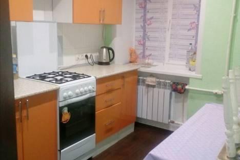 Сдается 2-комнатная квартира посуточно, улица 50 лет Октября, 92.