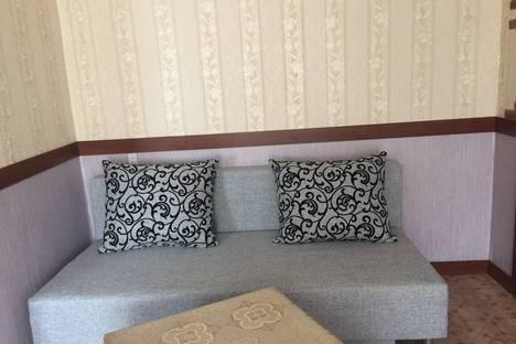 Сдается 2-комнатная квартира посуточно в Боровичах, улица Гоголя, 170.
