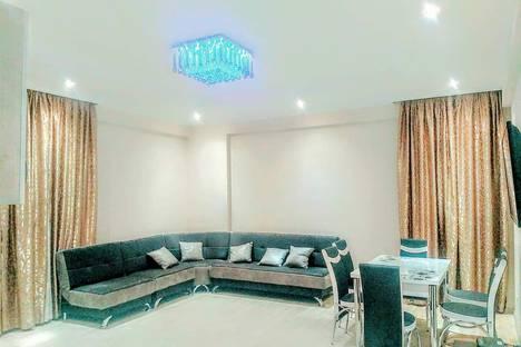Сдается 3-комнатная квартира посуточно, T'bilisi, Zhiuli Shartava Street, 3.