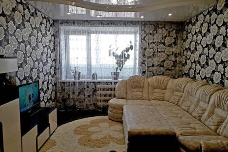 Сдается 3-комнатная квартира посуточно в Яровом, квартал A, 14.