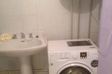 Сдается 2-комнатная квартира посуточно в Гагре, ул. Абазгаа 49/5.