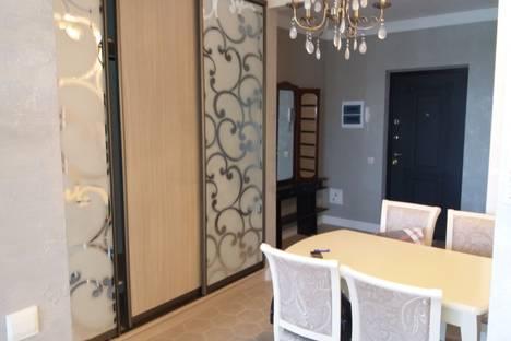 Сдается 2-комнатная квартира посуточно в Алуште, улица Ленина, 21.