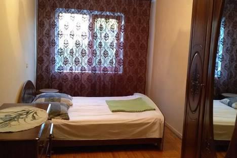 Сдается 2-комнатная квартира посуточно в Гагре, ул. Абазгаа 53/4.