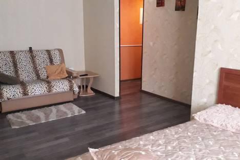 Сдается 1-комнатная квартира посуточно, ул.Попова10.