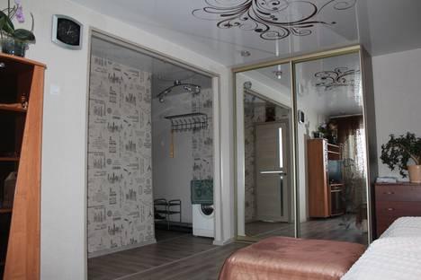 Сдается 1-комнатная квартира посуточно, Космическая улица, 14.