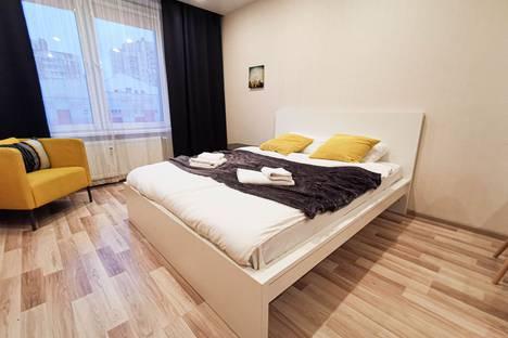 Сдается 1-комнатная квартира посуточно в Санкт-Петербурге, ул. Хошимина, 16.
