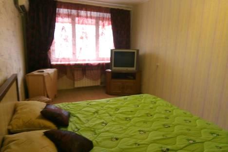Сдается 2-комнатная квартира посуточно в Волгограде, ул. Чапаева 8.