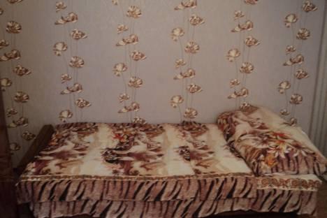 Сдается 1-комнатная квартира посуточнов Ельце, Спутников,дом 10 а.