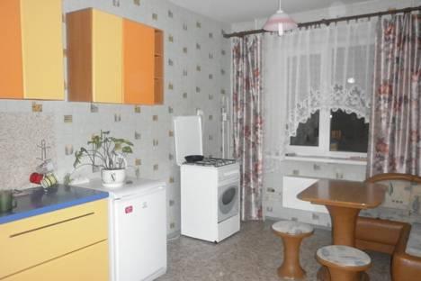 Сдается 1-комнатная квартира посуточнов Великом Новгороде, Волотовская 5.