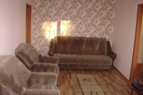 Сдается 3-комнатная квартира посуточно, Красноармейский р-н Российская 16.