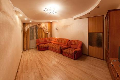 Сдается 3-комнатная квартира посуточно в Ноябрьске, Ленина 56.