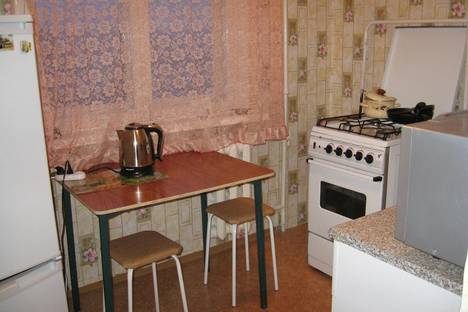 Сдается 1-комнатная квартира посуточно, Аганичева, 26.